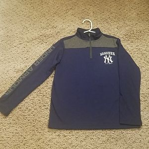 Yankees Under Armour Pullover